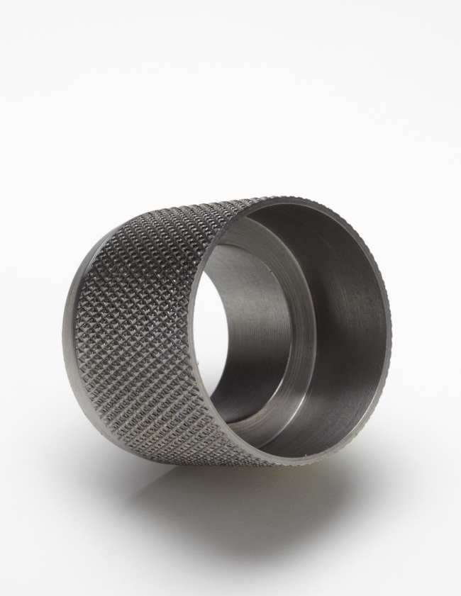 Knurled fitting